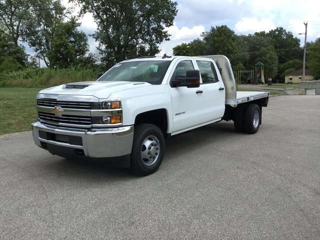 2017 Silverado 3500 Crew Cab 4x4, Platform Body #17727 - photo 5
