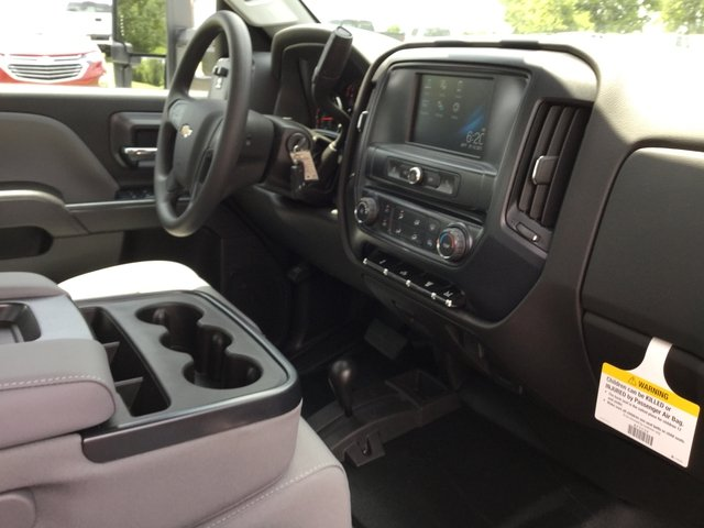 2017 Silverado 3500 Crew Cab DRW 4x4 Platform Body #17727 - photo 21