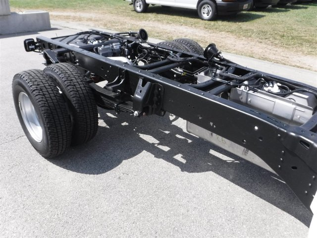 2017 Silverado 3500 Regular Cab 4x4, Cab Chassis #17735 - photo 20