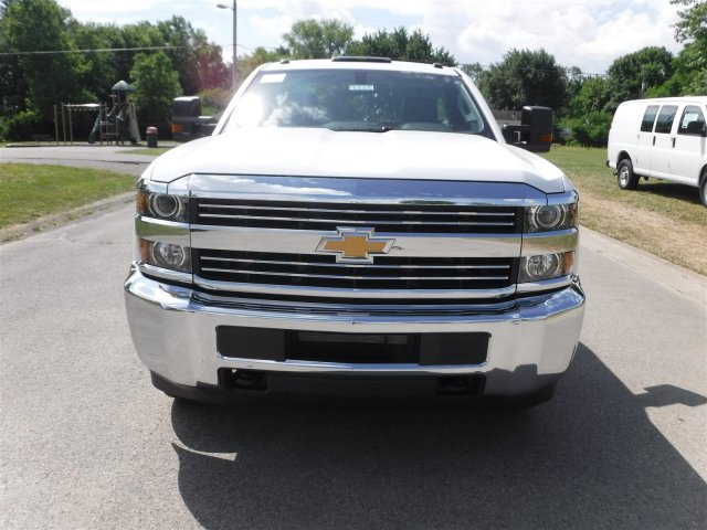 2017 Silverado 3500 Regular Cab 4x4, Cab Chassis #17735 - photo 3