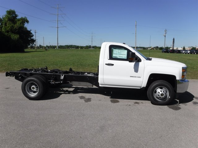 2017 Silverado 3500 Regular Cab 4x4, Cab Chassis #17736 - photo 24