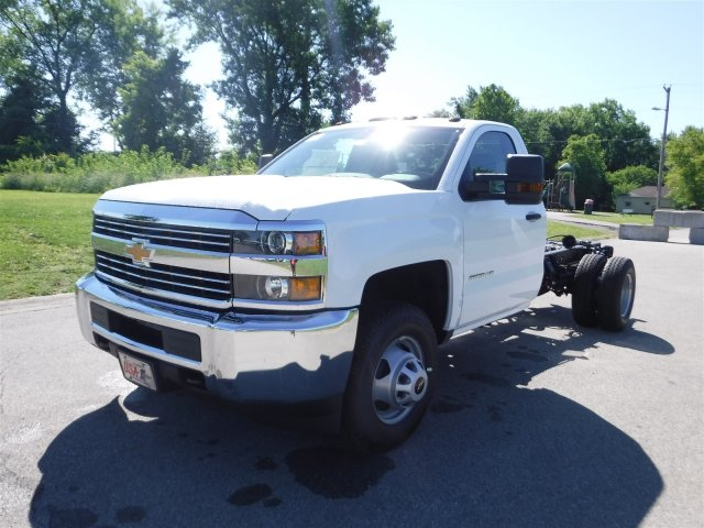 2017 Silverado 3500 Regular Cab 4x4, Cab Chassis #17736 - photo 4