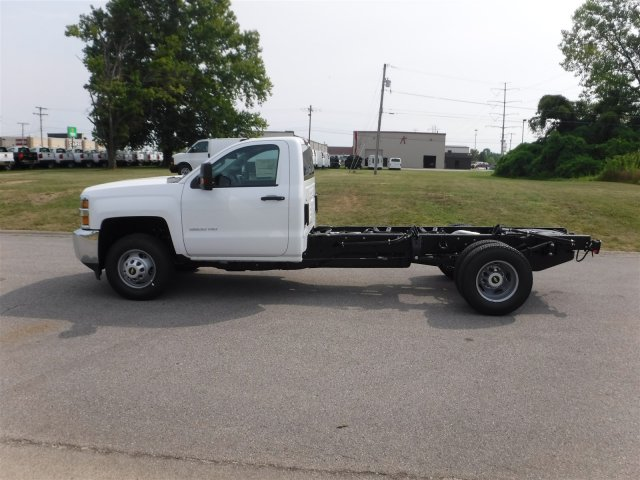 2017 Silverado 3500 Regular Cab 4x4, Cab Chassis #17758 - photo 19