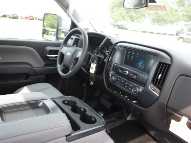 2017 Silverado 3500 Regular Cab 4x4, Cab Chassis #17758 - photo 26