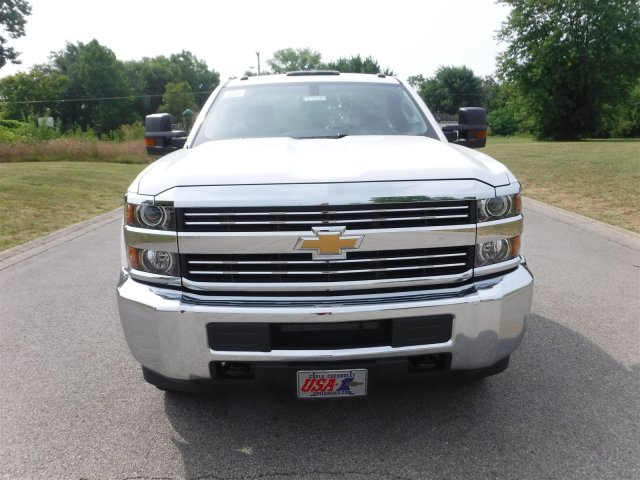 2017 Silverado 3500 Regular Cab 4x4, Cab Chassis #17758 - photo 3