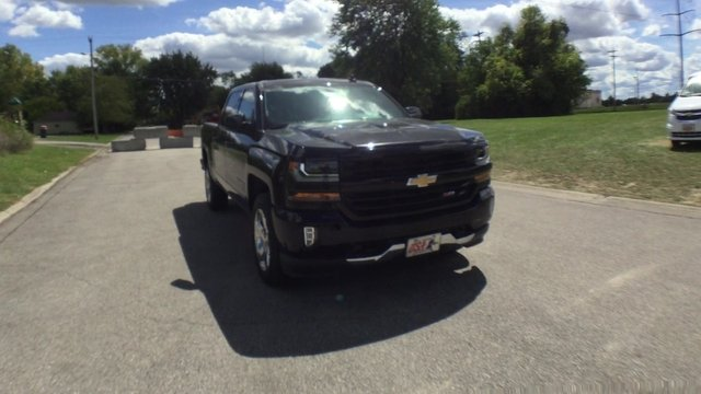 2017 Silverado 1500 Crew Cab 4x4 Pickup #17887 - photo 3