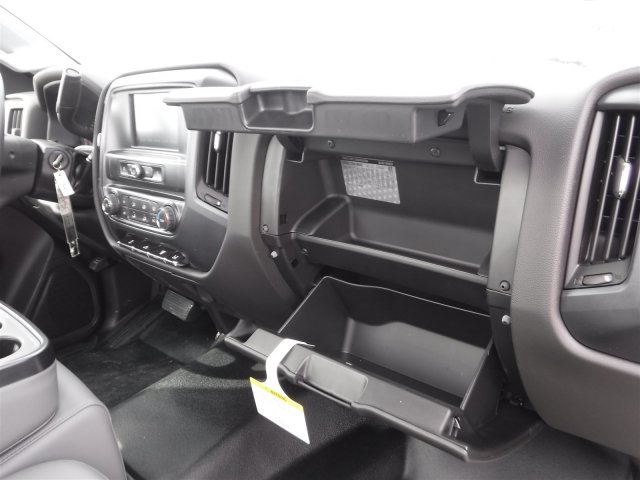 2017 Silverado 3500 Regular Cab DRW, Cab Chassis #17896 - photo 18