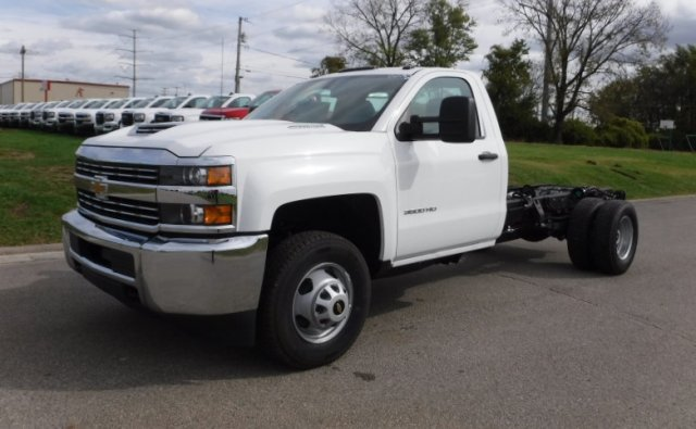 2017 Silverado 3500 Regular Cab DRW, Cab Chassis #17896 - photo 23