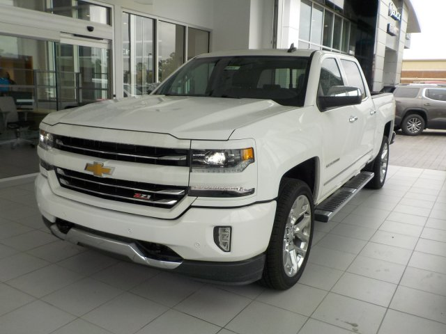 2018 Silverado 1500 Crew Cab 4x4,  Pickup #18146 - photo 4