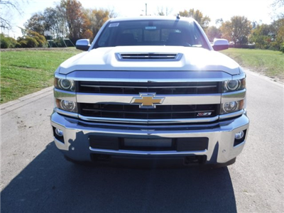 2018 Silverado 2500 Crew Cab 4x4 Pickup #18184 - photo 3
