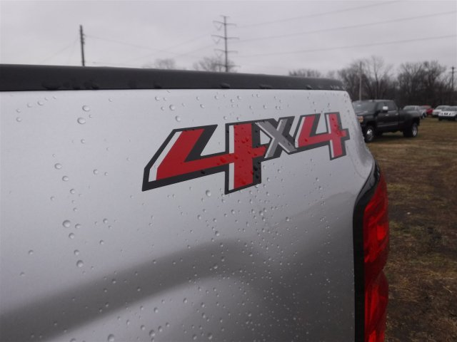2018 Silverado 2500 Crew Cab 4x4 Pickup #18285 - photo 23