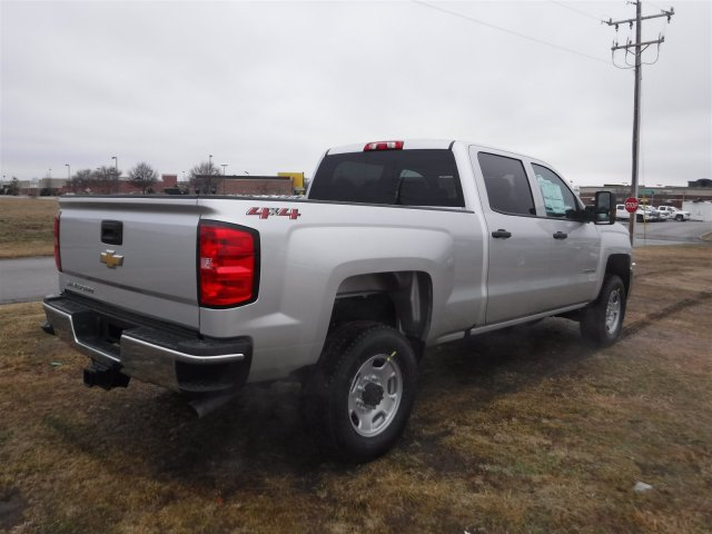 2018 Silverado 2500 Crew Cab 4x4 Pickup #18285 - photo 2