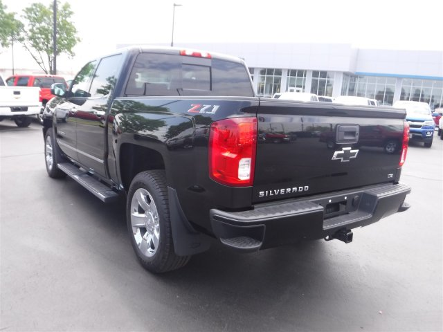 2018 Silverado 1500 Crew Cab 4x4,  Pickup #18542 - photo 33