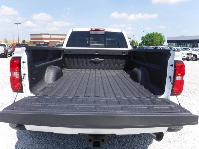 2018 Silverado 3500 Crew Cab 4x4, Pickup #18592 - photo 34