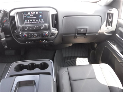 2018 Silverado 3500 Crew Cab 4x4, Pickup #18592 - photo 31