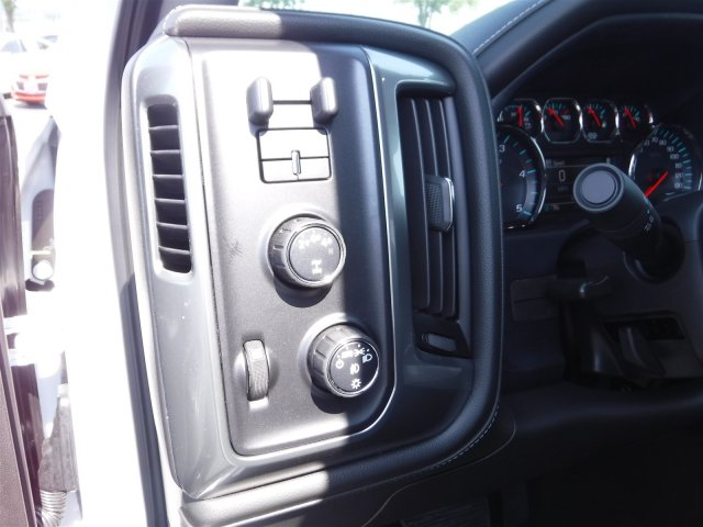 2018 Silverado 2500 Crew Cab 4x4,  Pickup #18721 - photo 11