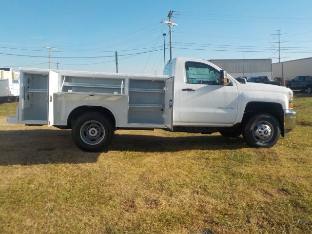 2019 Silverado 3500 Regular Cab DRW 4x4,  Reading Service Body #19238 - photo 21