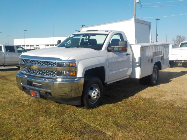 2019 Silverado 3500 Regular Cab DRW 4x4,  Reading Service Body #19259 - photo 6