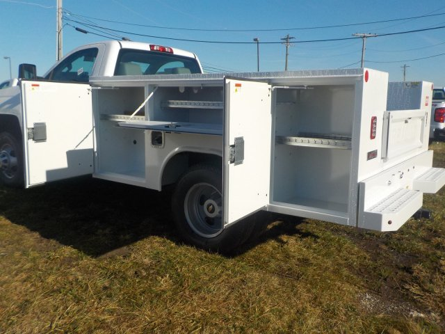 2019 Silverado 3500 Regular Cab DRW 4x4,  Reading Service Body #19270 - photo 17
