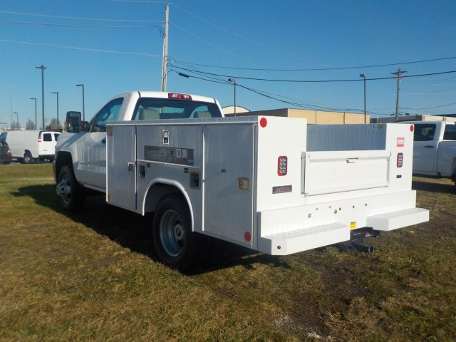 2019 Silverado 3500 Regular Cab DRW 4x4,  Reading Service Body #19270 - photo 18