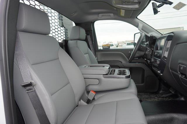 2020 Chevrolet Silverado 5500 Regular Cab DRW 4x2, Knapheide PGNB Gooseneck Platform Body #20518 - photo 29