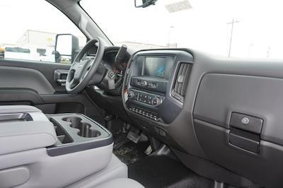 2020 Chevrolet Silverado 5500 Regular Cab DRW 4x2, Knapheide PGNB Gooseneck Platform Body #20518 - photo 31