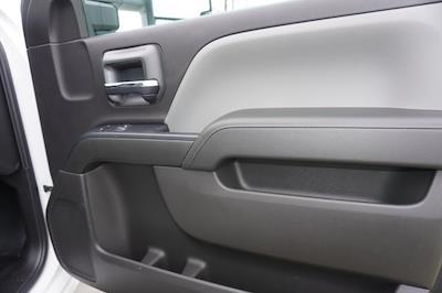 2020 Chevrolet Silverado 5500 Regular Cab DRW 4x2, Knapheide PGNB Gooseneck Platform Body #20518 - photo 33
