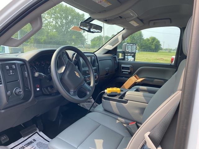 2020 Silverado 6500 Regular Cab DRW 4x2,  Dovetail Landscape #20742 - photo 4