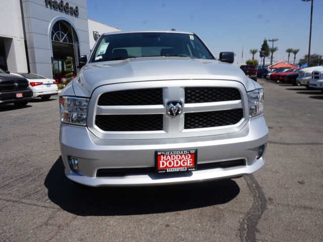 2016 Ram 1500 Crew Cab 4x4, Pickup #58639 - photo 3