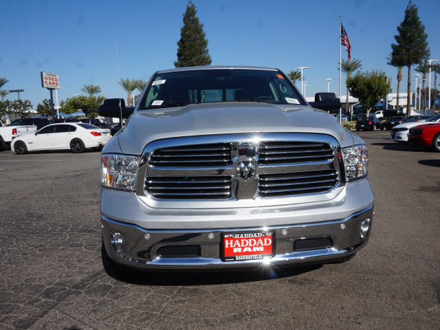 2017 Ram 1500 Crew Cab 4x4, Pickup #58833 - photo 3