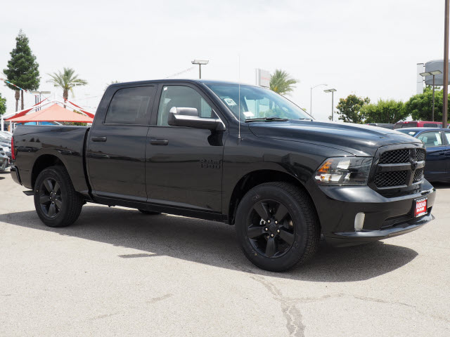 2017 Ram 1500 Crew Cab, Pickup #58909 - photo 5