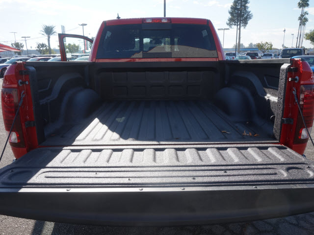 2017 Ram 1500 Crew Cab 4x4, Pickup #58927 - photo 24