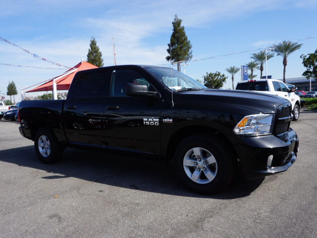 2017 Ram 1500 Crew Cab, Pickup #59009 - photo 5