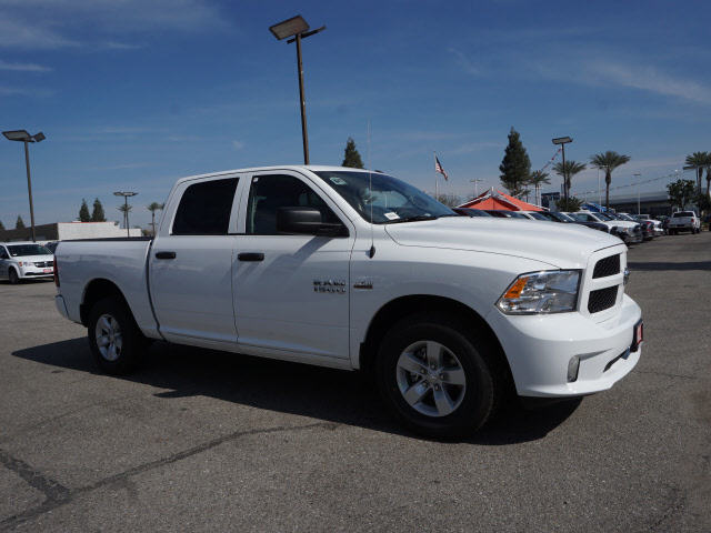 2017 Ram 1500 Crew Cab, Pickup #59029 - photo 5