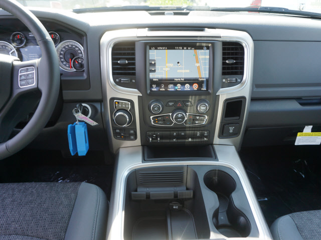 2017 Ram 1500 Crew Cab 4x4, Pickup #59115 - photo 14