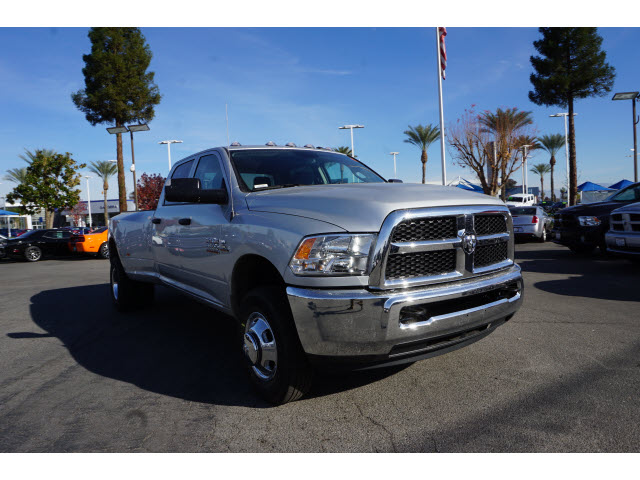 2017 Ram 3500 Crew Cab DRW 4x4, Pickup #59146 - photo 4
