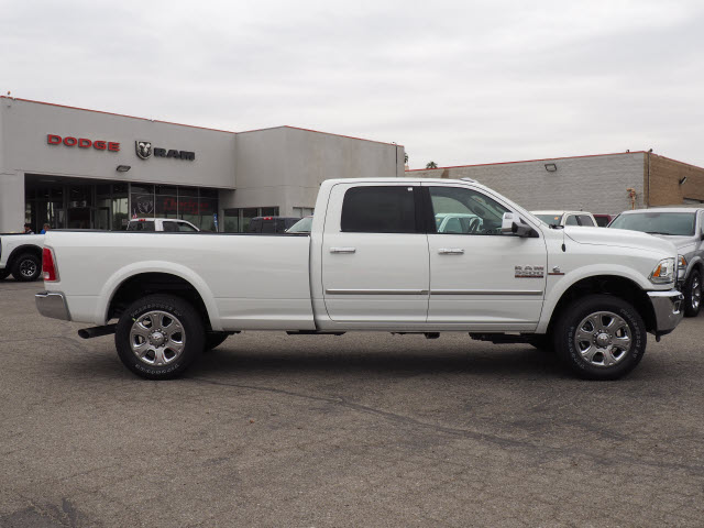 2017 Ram 3500 Crew Cab 4x4, Pickup #59411 - photo 6