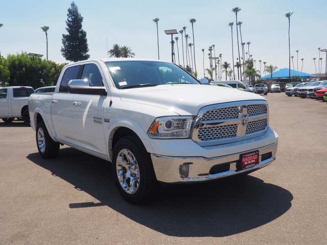 2017 Ram 1500 Crew Cab 4x4, Pickup #59551 - photo 4