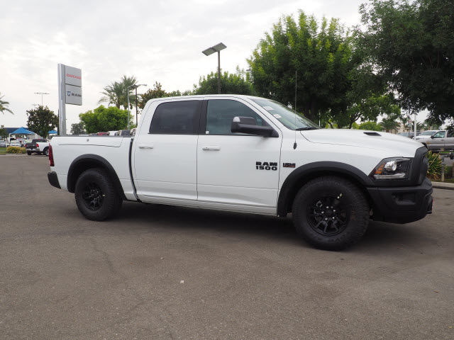 2017 Ram 1500 Crew Cab 4x4, Pickup #59634 - photo 5