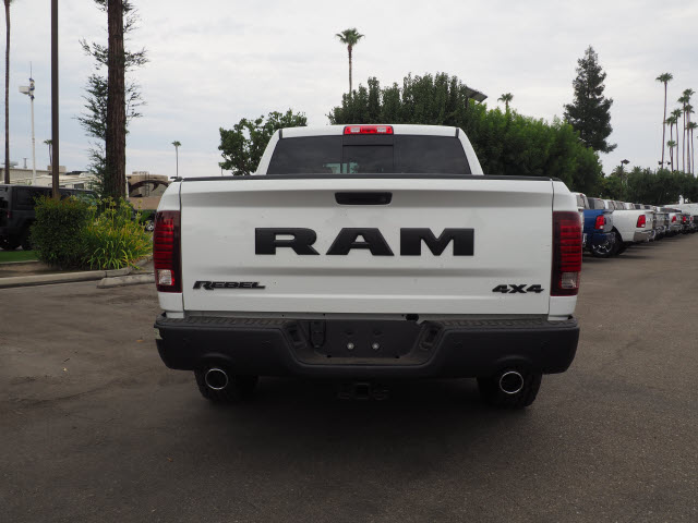 2017 Ram 1500 Crew Cab 4x4, Pickup #59634 - photo 9