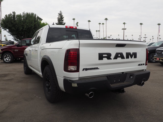 2017 Ram 1500 Crew Cab 4x4, Pickup #59634 - photo 2