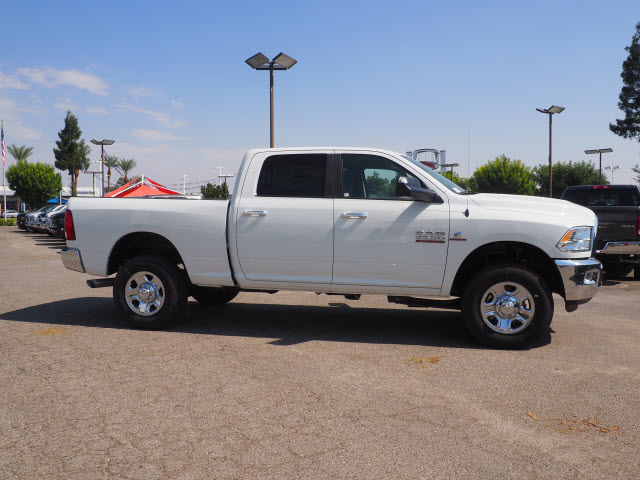 2017 Ram 3500 Crew Cab 4x4 Pickup #59644 - photo 6
