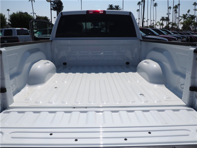 2017 Ram 3500 Crew Cab 4x4 Pickup #59644 - photo 24