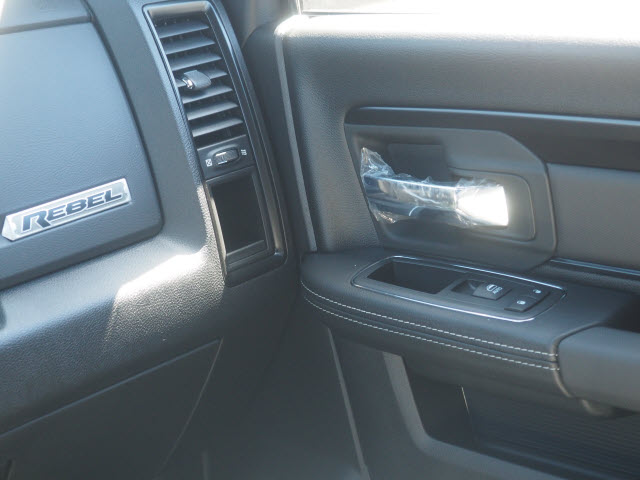 2017 Ram 1500 Crew Cab 4x4, Pickup #59674 - photo 16