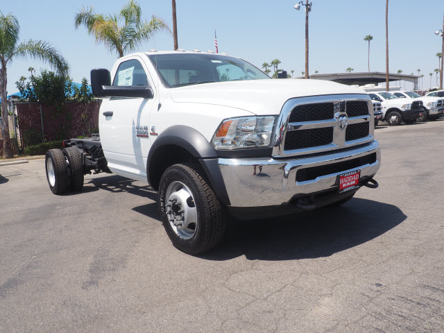 2017 Ram 5500 Regular Cab DRW, Cab Chassis #59687 - photo 4