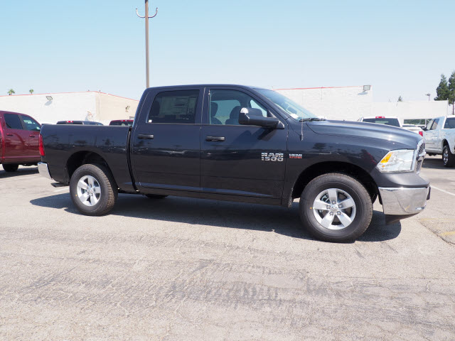 2017 Ram 1500 Crew Cab 4x4 Pickup #59711 - photo 5