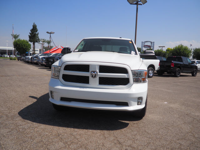 2017 Ram 1500 Crew Cab Pickup #59744 - photo 3