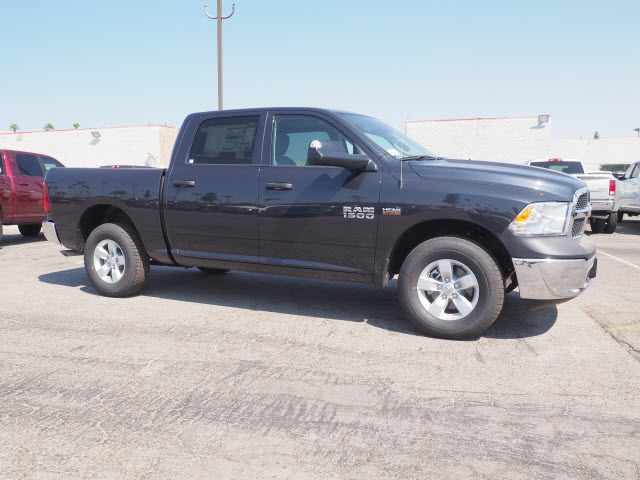 2017 Ram 1500 Crew Cab Pickup #59749 - photo 5
