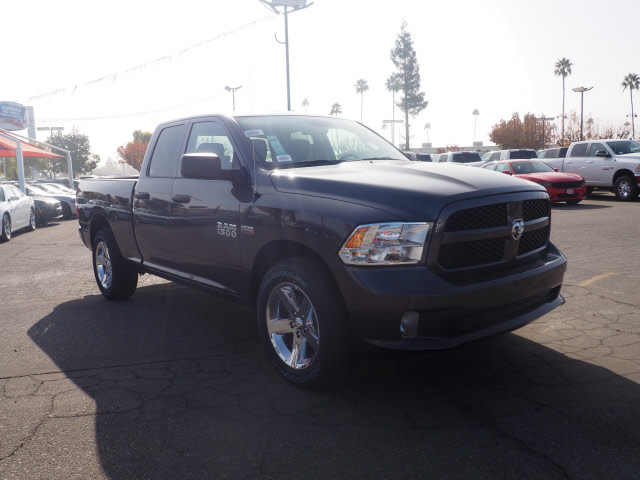 2018 Ram 1500 Quad Cab, Pickup #59942 - photo 4