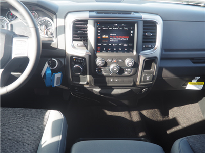2018 Ram 1500 Crew Cab Pickup #59972 - photo 14